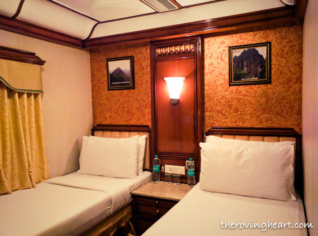 golden chariot luxury train room